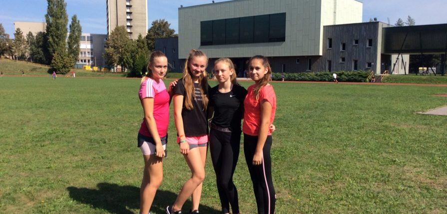 Děvčata